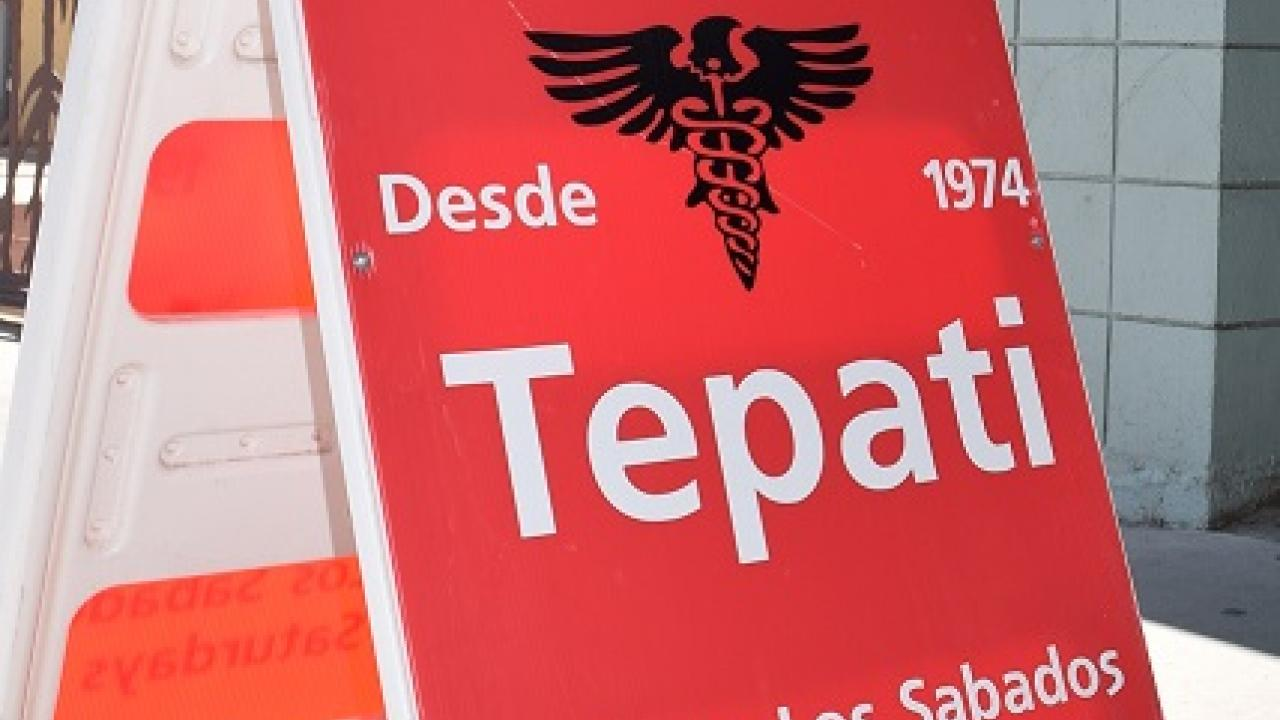 Clinica Tepati sign